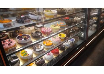 90 Degrees - The Cake Studio