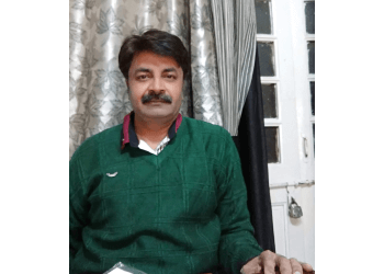 Adv. Manish Manana