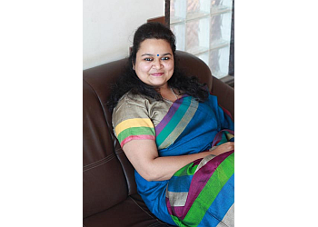 Adv. Shraddha Dalvi
