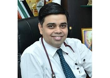 DR. AMIT ANIL KAVIMANDAN, DM