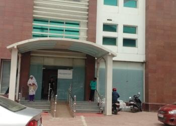 Dr. Bilal Ahmad Khan, MBBS, MD - SHIFA MEDICAL CENTER