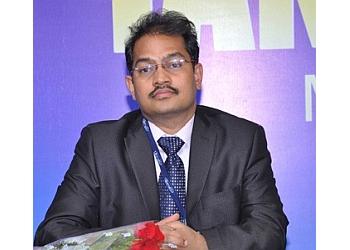 DR. SREE BHUSHAN RAJU, MBBS, MD, DM, FICP, FIACM, FISN