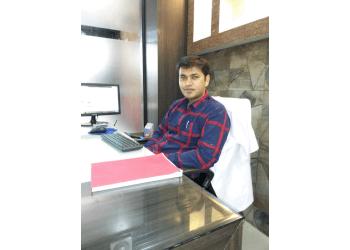 Dr. Abhinav Shrivastava, BDS, MDS