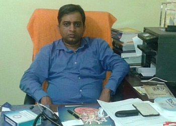 Dr. Alok Kumar Singh, MBBS, MD, DM, IAFSCAI, AICT