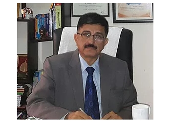 Dr. Amitabh Khanna, MBBS, Dp Card, FCCP