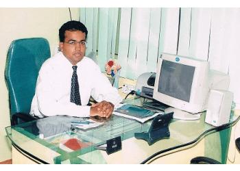 Dr. Anand Bagmar, MBBS, DNB, FERC, FAJEH - Aditya Eye Care & Laser Centre