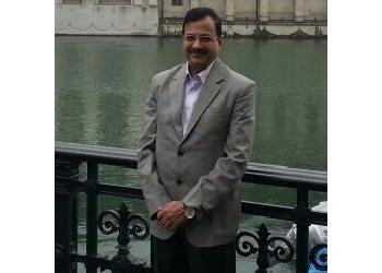 Dr. Girish V. Jayawant, MBBS