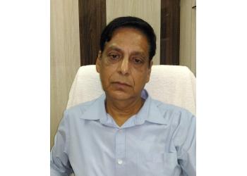 Dr. Harish Vaishnav, MBBS, DTCD