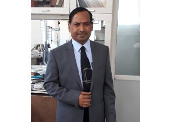 Dr M Ravikumar, MS