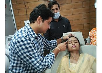 Dr. Mrinal Gupta, MBBS, MD