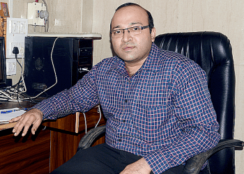 Dr. Naren Nayak, MBBS, MS, M.Ch