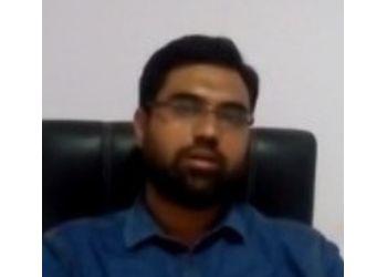 Dr. Nouman Farooqui, MBBS, DDV