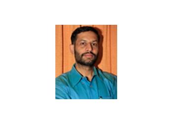 Dr. Prasanna Mahajan, MBBS, MD