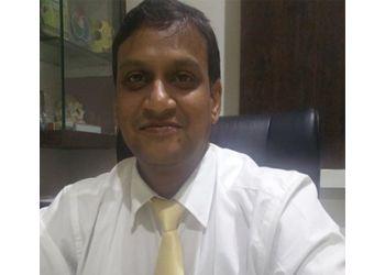 Dr. Pratikshit Mahajan, MBBS, MS, DNB