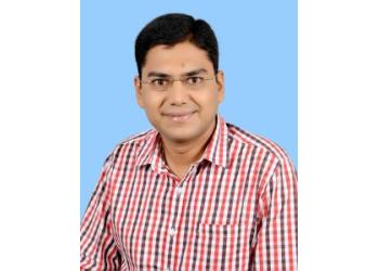 Dr. Praveen Agarwal, MBBS, MS