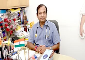 Dr. Puneet Saxena, MBBS, MD