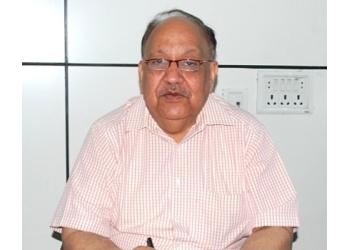 Dr. Raj Pal Singh Bhardwaj, MBBS, MD, DM