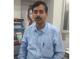 Dr. Rajeev Agarwal, MBBS, MD