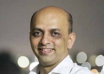 Dr. Rajesh Dhopeshwarkar, MBBS, MD, DM, FHRS