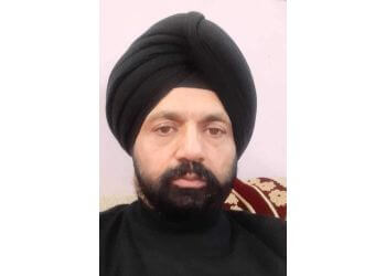 Dr. Rajinder Singh, MBBS, MS