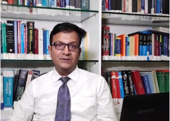 Dr. Ravi Kant Saraogi, MBBS, MD, DM - BANSAL CLINIC