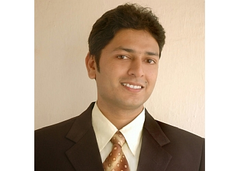 Dr. Ravindra Dargainya, MBBS, DDV