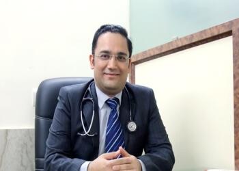 Dr. SAKET KANT, MBBS, MD, DM, MRCP