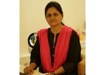 Dr.Shobhna Mange, MBBS, MS