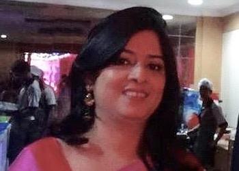 Dr. Smiti Rani Srivastava, MBBS, MS, FICO, FRCS