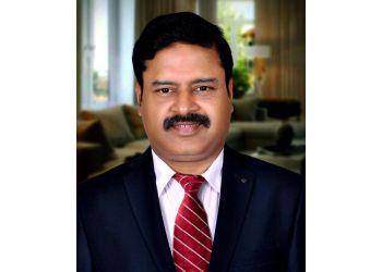 Dr. Srinivasan L, MBBS, DO, DNB (EYE), MNAMS, FAMS - DR. AGARWALS EYE HOSPITAL