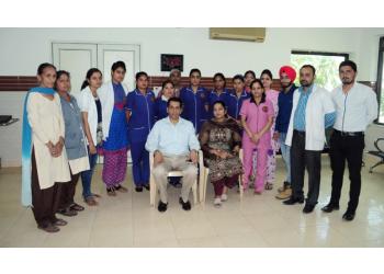 Dr. Sumesh Handa, MBBS, MD, DM, DNB
