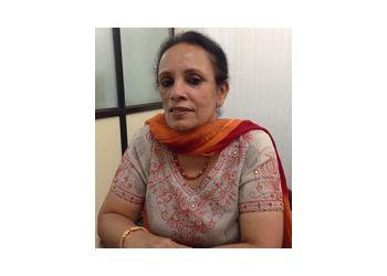Dr. Sunalini Suri, MD