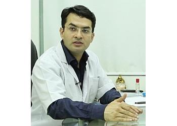 Dr.Suneet Soni, MCh, MS