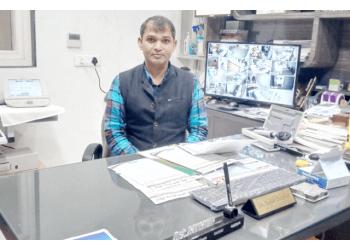 Dr. Suresh Gangwar, MBBS, MS