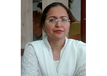 Dr. Tarandeep Kaur, MBBS, DDV