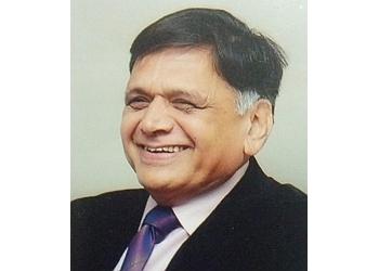 Dr. Vasant Dakwale, MBBS, M.Ch