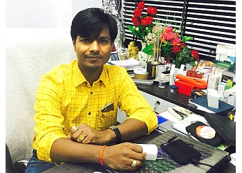 Dr. Vijay Gupta, MBBS, MD