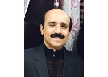 Dr. Vijay K. Ahuja, MBBS, DNB