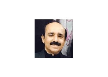 Dr. Vijay K. Ahuja, MBBS, DO, DNB