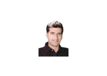 Dr. Vijay Mahendru, MBBS, MD