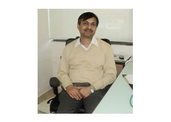 Dr. Vinay Kumar Dhandhania, MBBS, DD