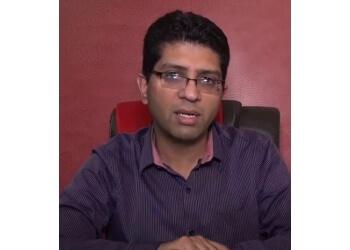Dr. Vineet Saggar, MBBS, MS, M.Ch