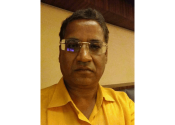 Dr. Yogendra Singh Yadav, MBBS, DOMS, MAGS - Madhav Eye Hospital