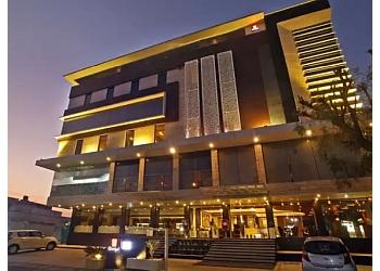 Hotel LN Courtyard