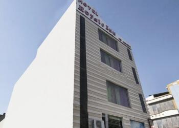 Hotel Royale Inn