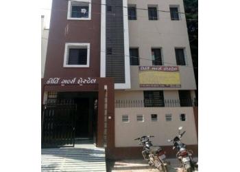 Kirti Girl's Hostel