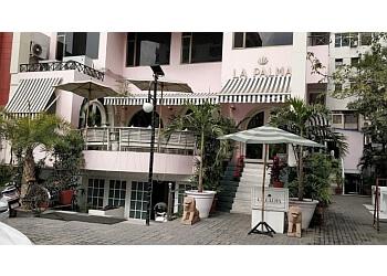 LA PALMA Cafe & Lounge Bar