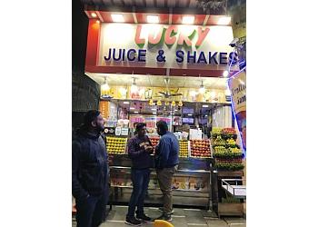 Lucky Fruit Juice & Shakes