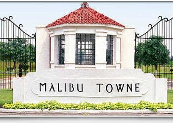 Malibu Towne Swimming Pool