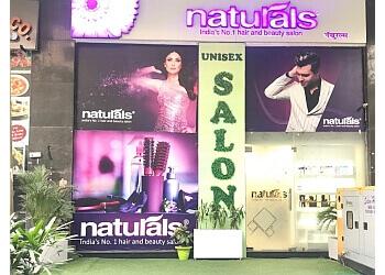 Naturals Unisex Salon